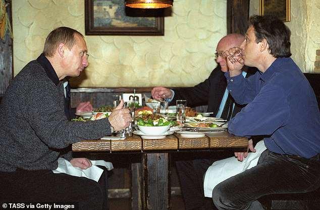 Britská MI6 lituje, že pomohla Vladimíru Putinovi k moci