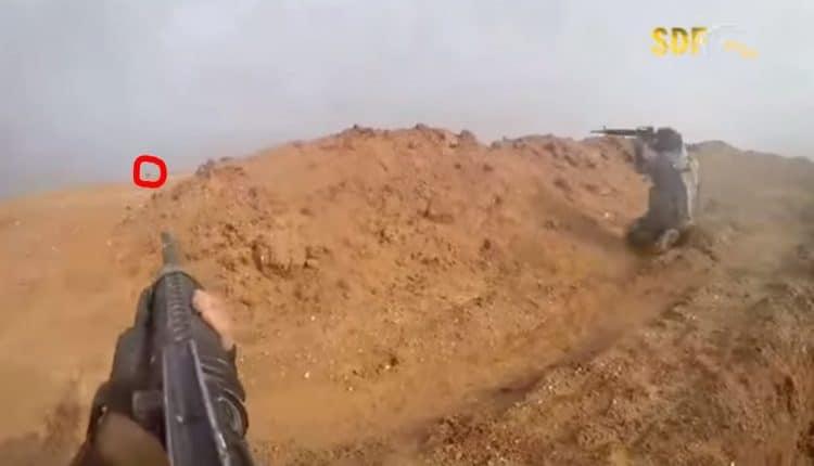Bojovníci IS opustili svého velitele – poslední vteřiny života teroristy 18+