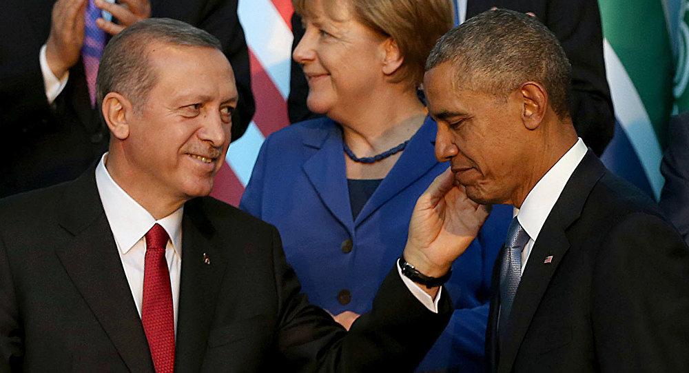 Jak Turecko chtělo falešným chemickým útokem v Sýrii přimět Obamu k bombardování