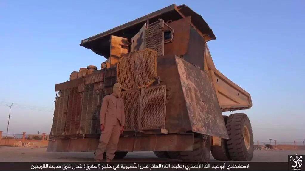 Největší improvizovaný obrněnec IS