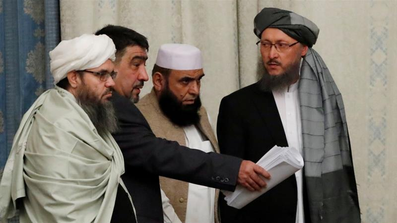 Historické paradoxy: bývalí vězni z Guantánama vyjednávají o kapitulaci jednotek NATO v Afghánistánu