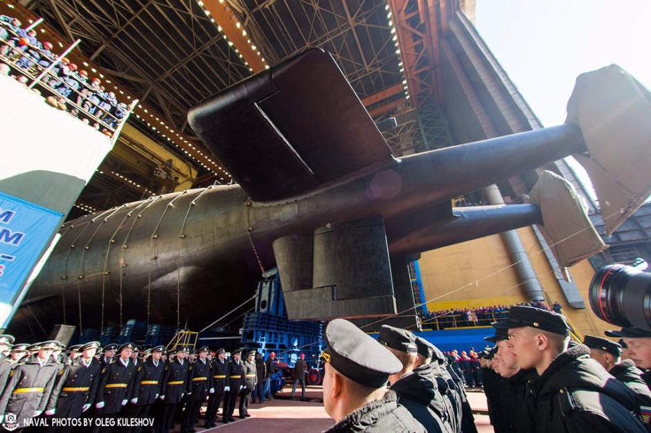 Rusko spustilo na vodu nejnovější jadernou ponorku