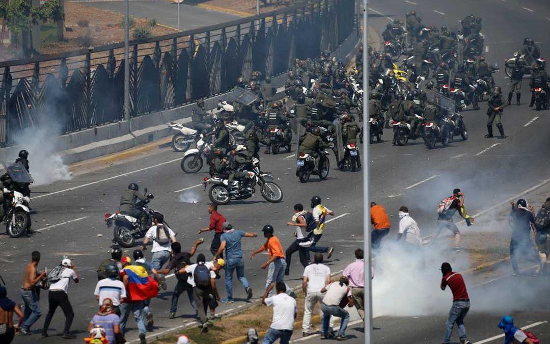Tzv. vojenský puč ve Venezuele byl zřejmě jen mediální divadlo