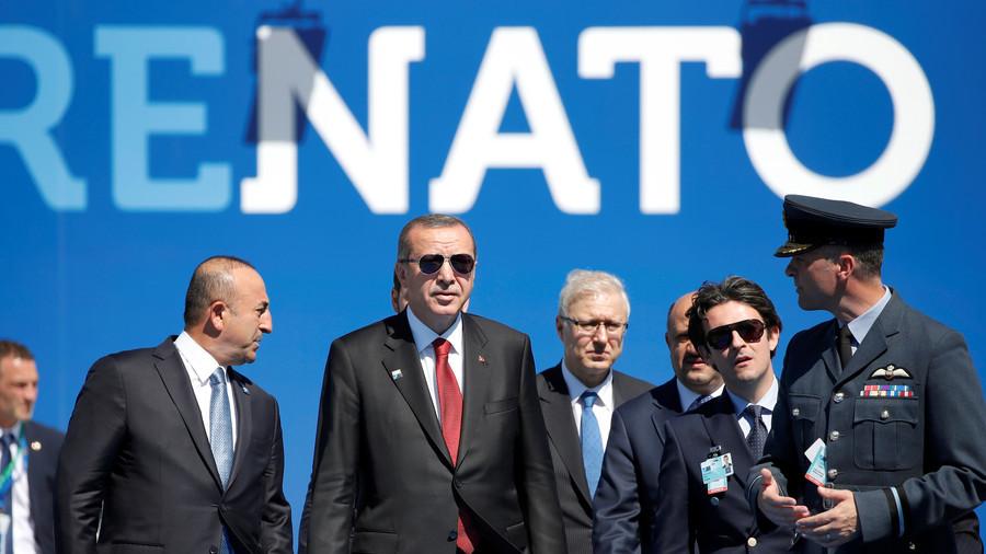 Turecko odmítlo zúčastnit se ceremoniálu NATO
