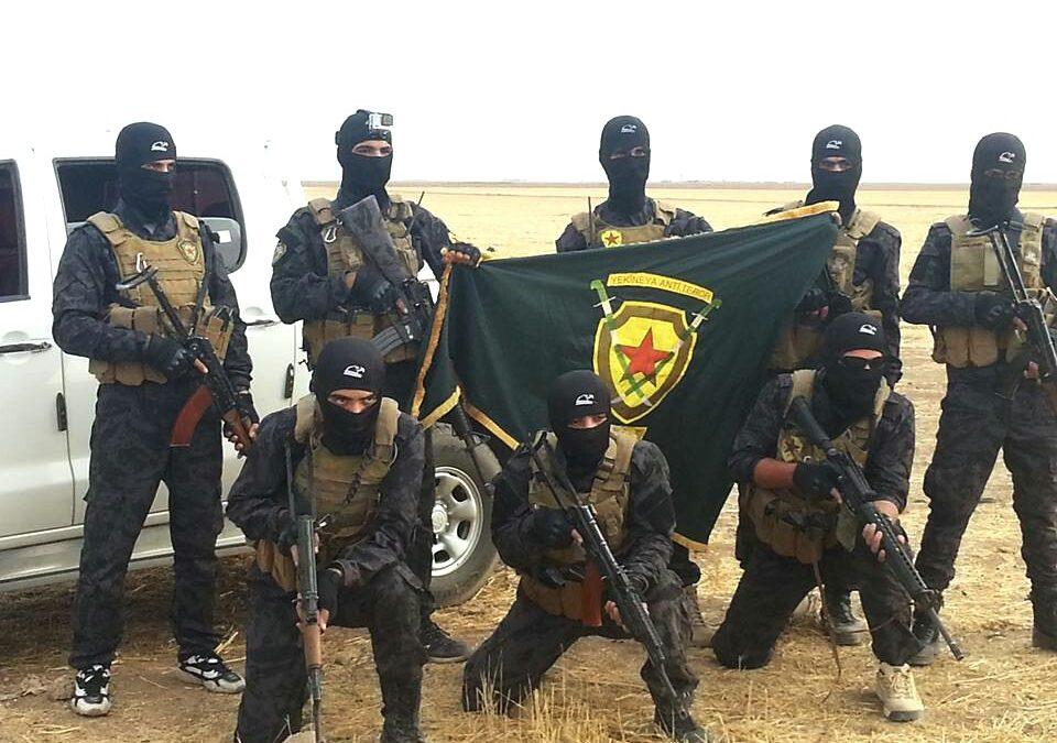 Mossad cvičí na Západním Břehu kurdské jednotky