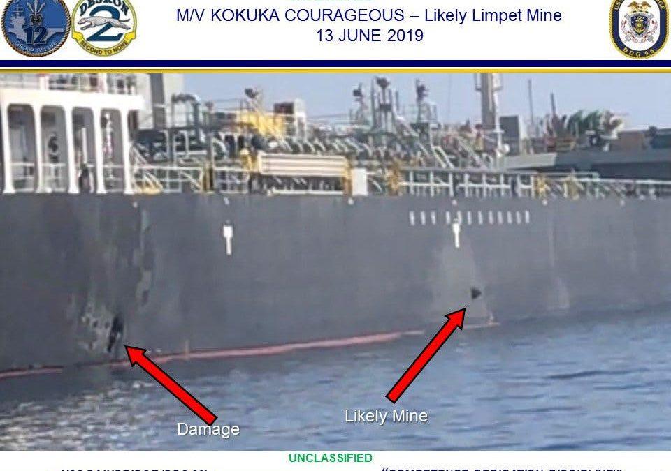Írán zachycen jak sbírá nevybuchlou minu z tankeru