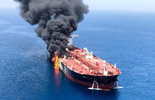"""USA: """"za útokem na tankery je Írán – tvrdě odpovíme"""