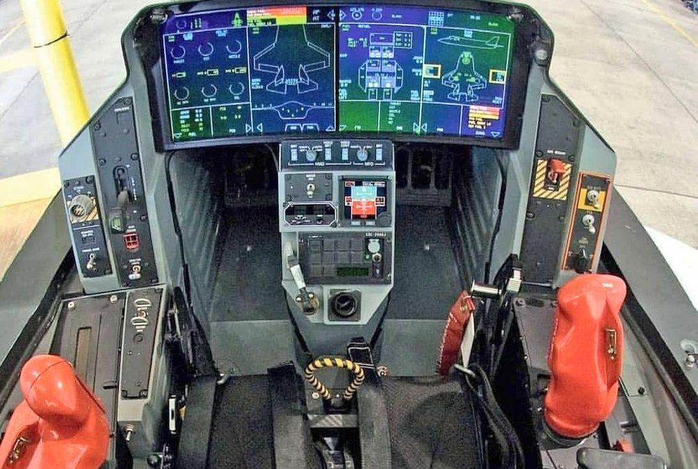 Kokpit F-35