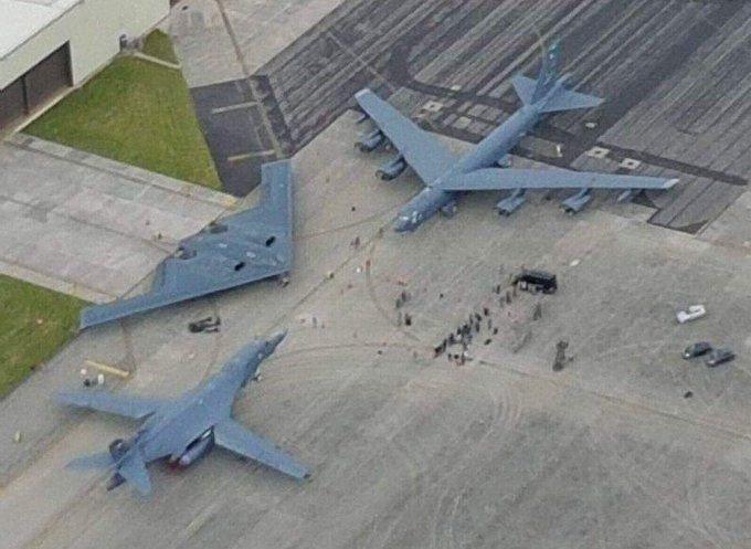Tři bombardéry