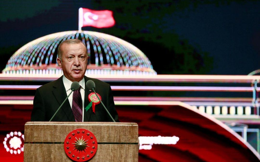 Erdogan: je neakceptovatelné říkat Turecku, že nemůže mít jaderné zbraně