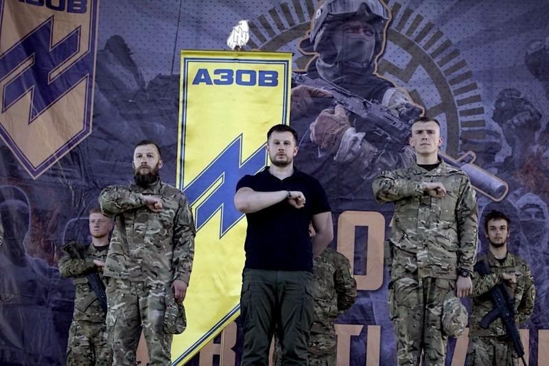 US kongresmani požadují zařazení ukrajinského praporu Azov mezi teroristické skupiny