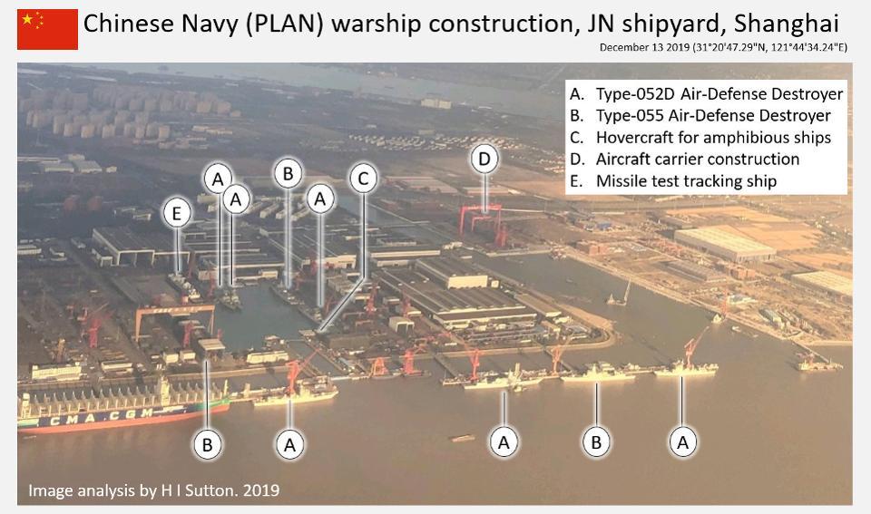Čína staví neuvěřitelné množství vojenských plavidel