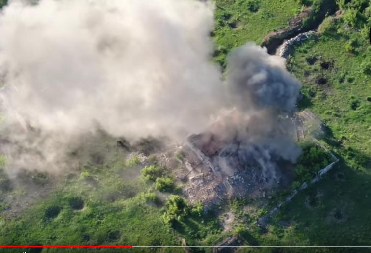 Ukrajinská dělostřelecká ofenzíva pokračuje