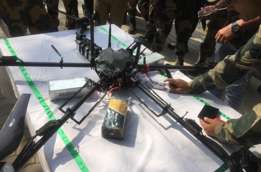Dron zásobující agenty sestřelen v Kašmíru