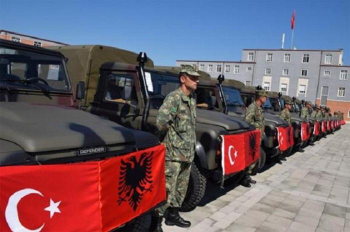 Turecko plánuje obklíčit Řecko – rozmístí armádu v Albánii
